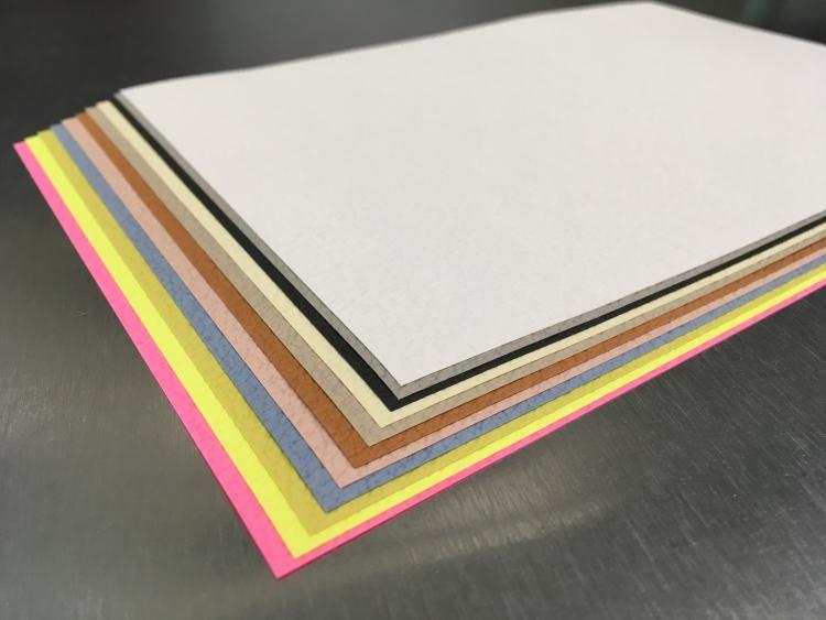 印刷会社が使う紙(工務部)